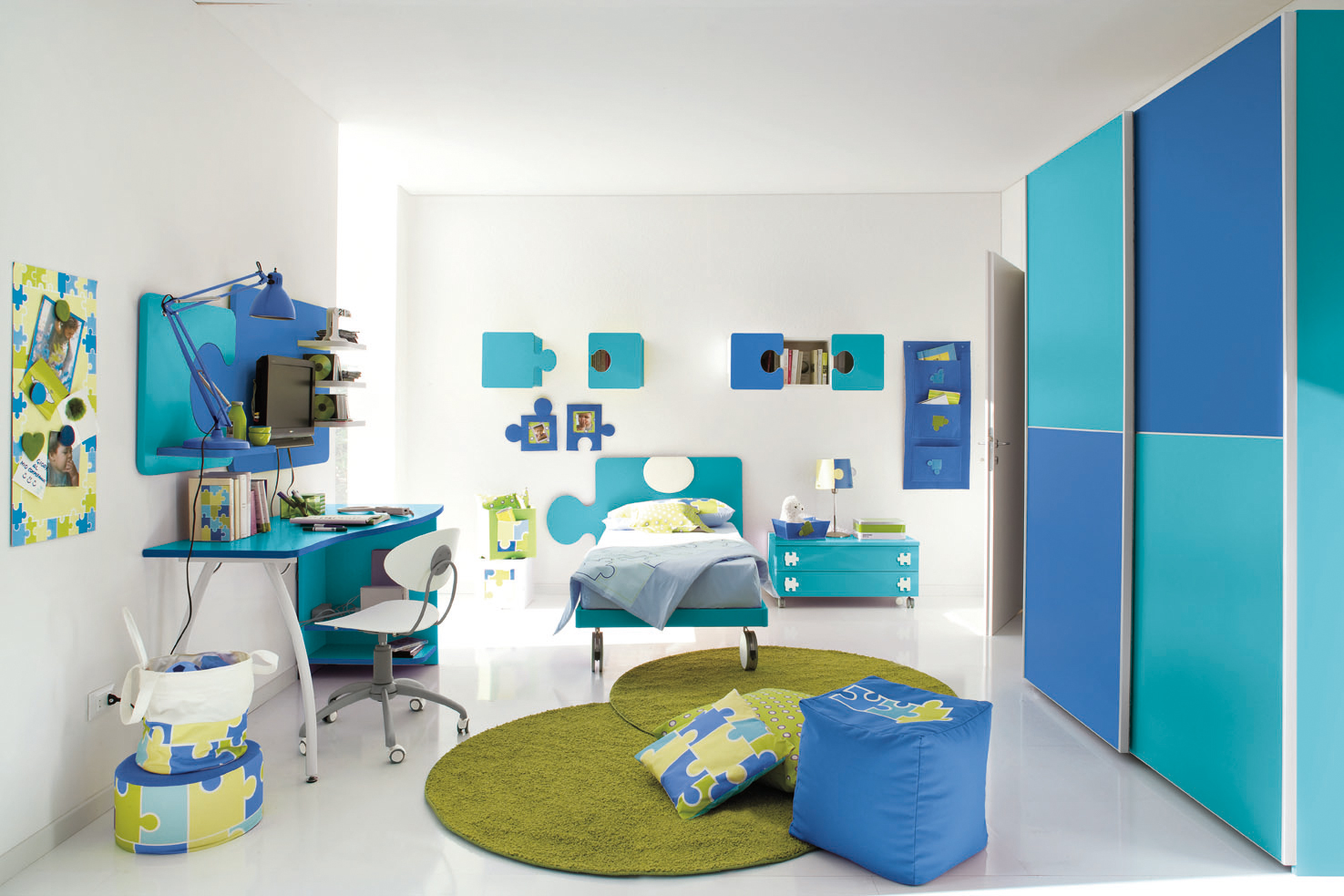 Chambre turquoise et blanc for Chambre fille bleu turquoise